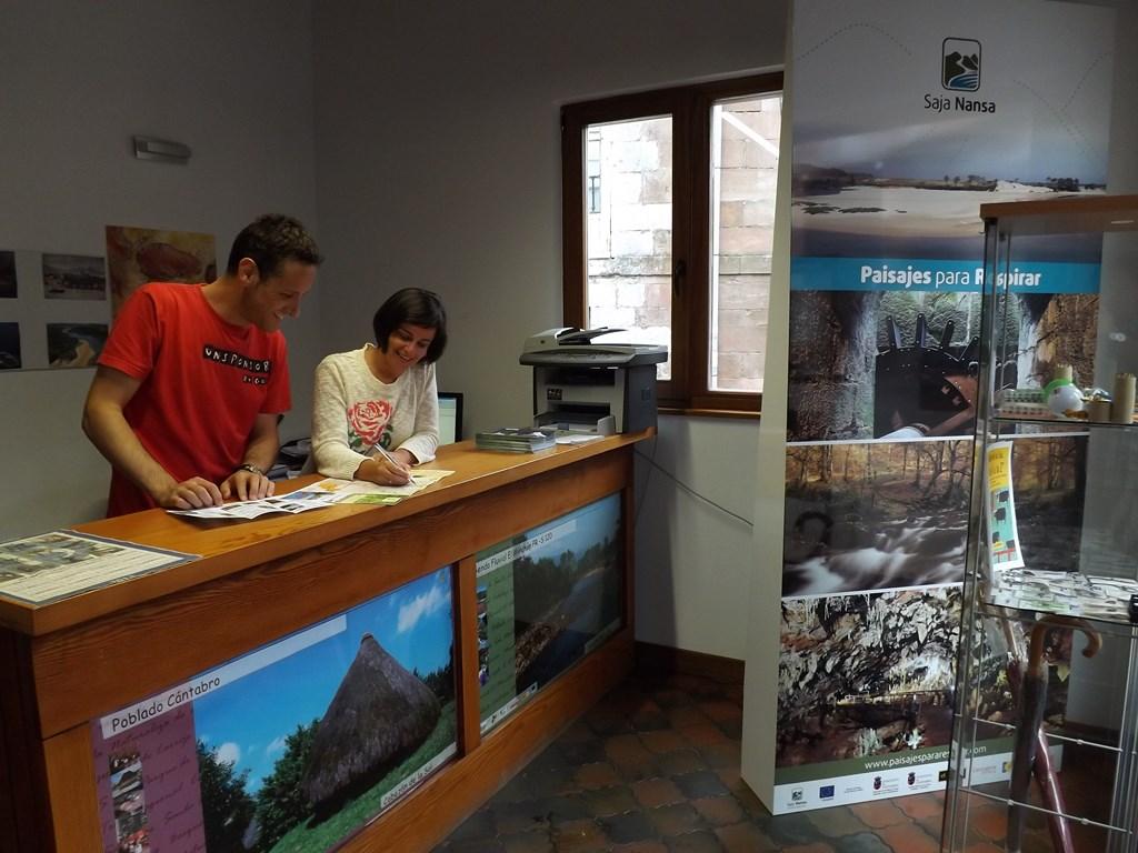 El poblado c ntabro se consolida como uno de los for Oficina de extranjeria avenida de los poblados